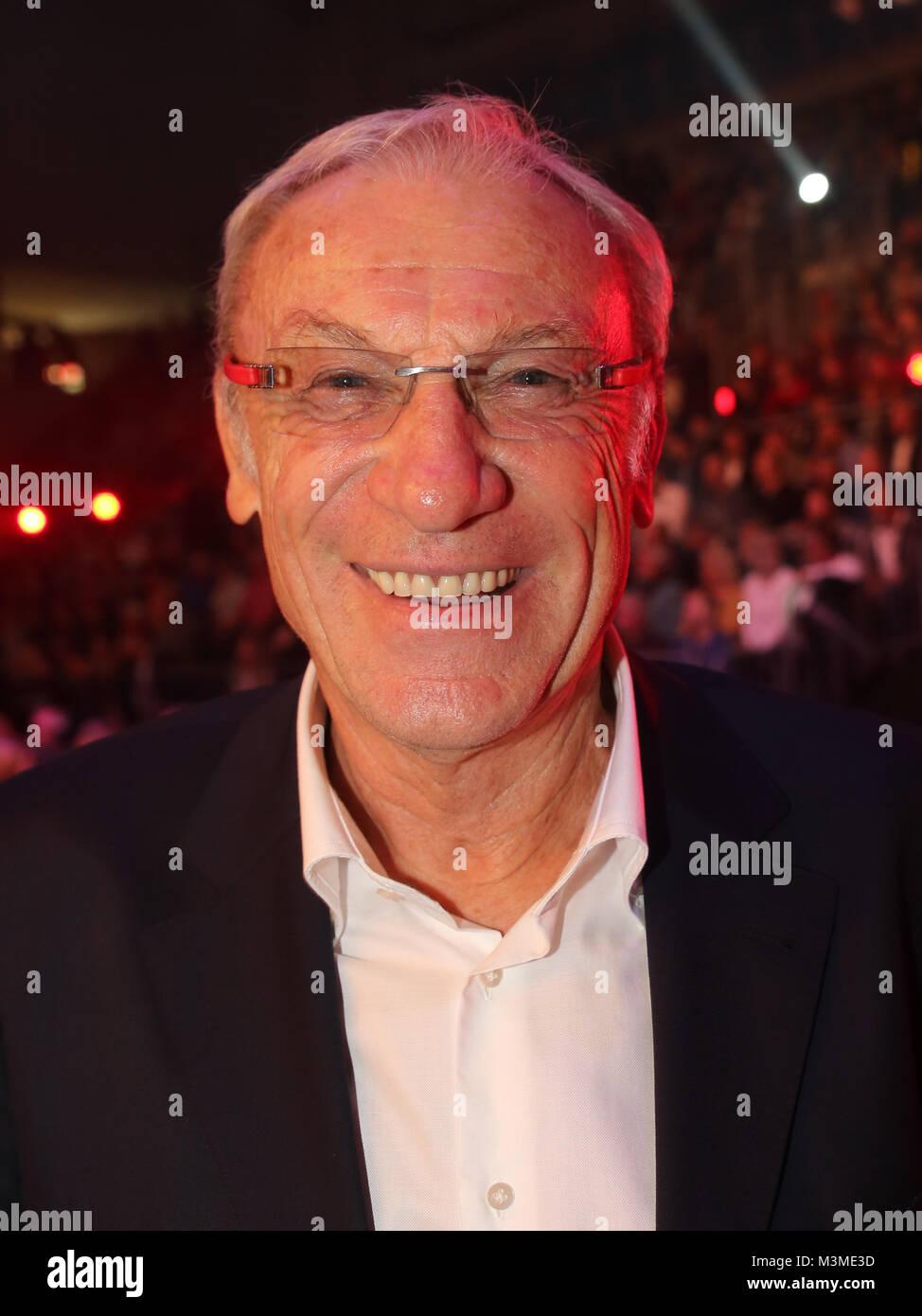 Fußballtrainer Legende Eduard-EDE-Geyer- Ehrengast bei der SES-Box-Gala am 12.11.2016 in der  GETEC Arena Magdeburg - Stock Image