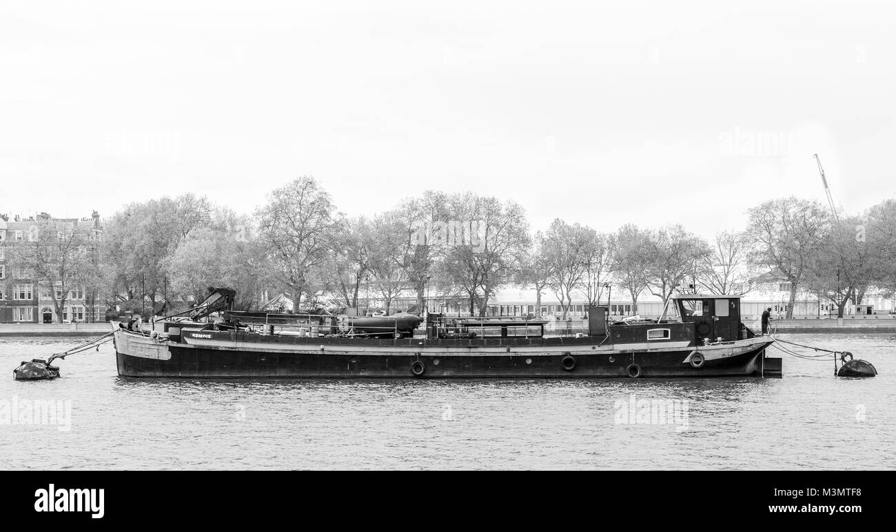 boat on thames river near battersea - Stock Image