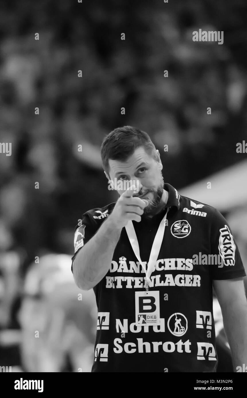 Ljubomir Vranjes, Trainer des Handball Bundesligisten SG Flensburg-Handewitt während eines Spiels seiner Mannschaft - Stock Image