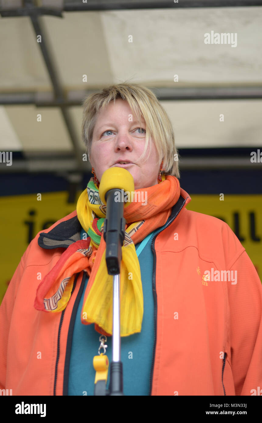 Dr. Claudia Bielfeldt, Landesvorsitzende des BUND-Landesverband Schleswig-Holstein auf der Energiewende-Demo am Stock Photo