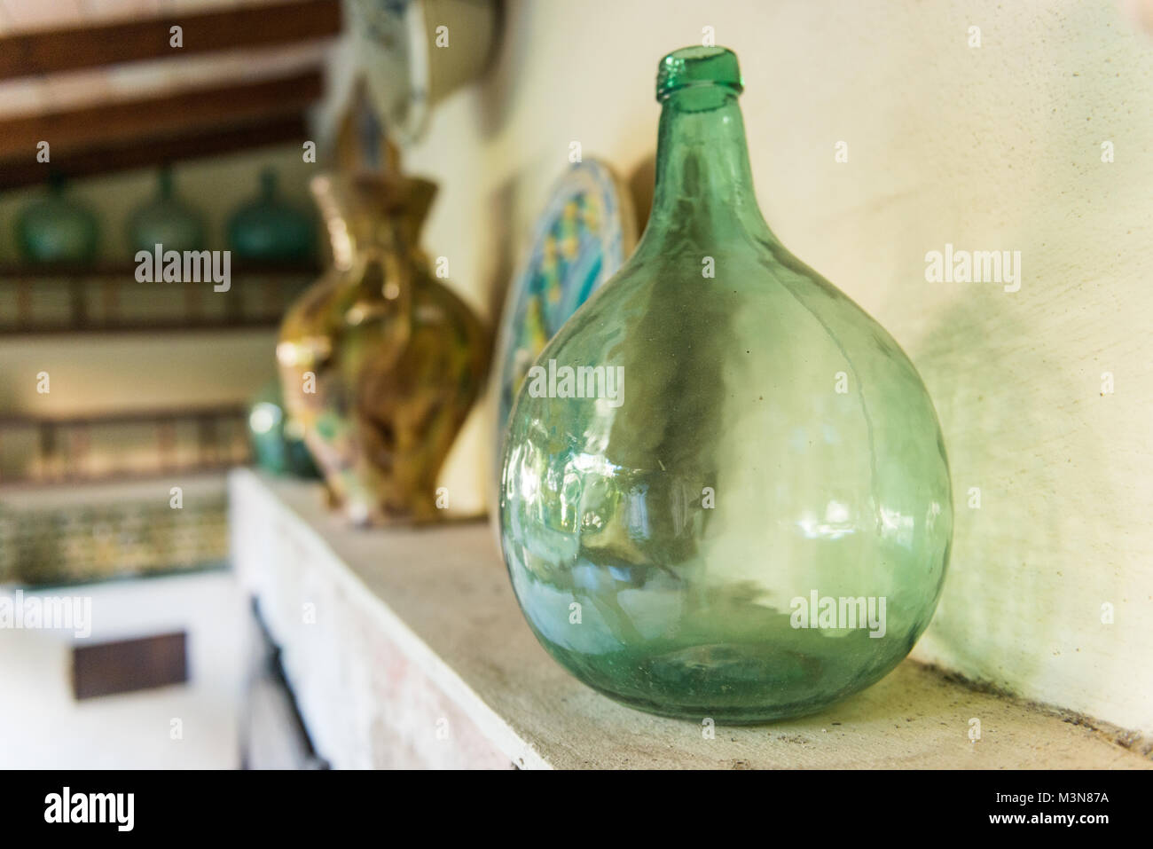 Dame Jeanne Stock Photos & Dame Jeanne Stock Images - Alamy