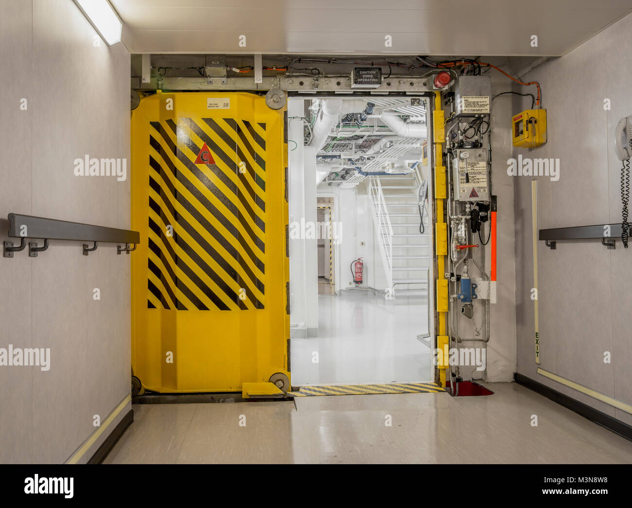 Watertight doors on a ship & Watertight doors on a ship Stock Photo: 174415620 - Alamy