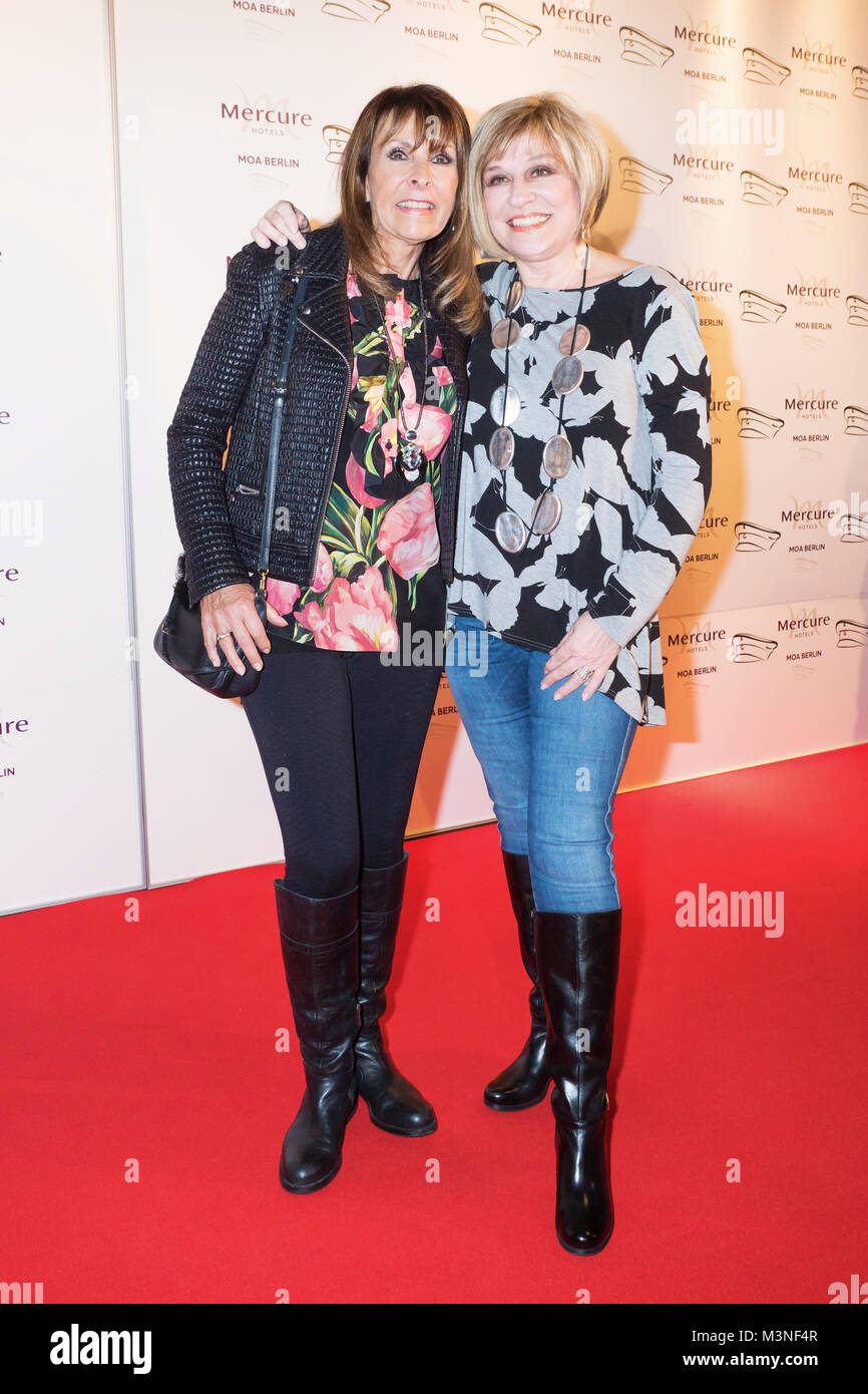 Ireen Sheer und Mary Roos  beim 6. smago! Awards 2017 im Berliner Mercure Hotel MOA Stock Photo