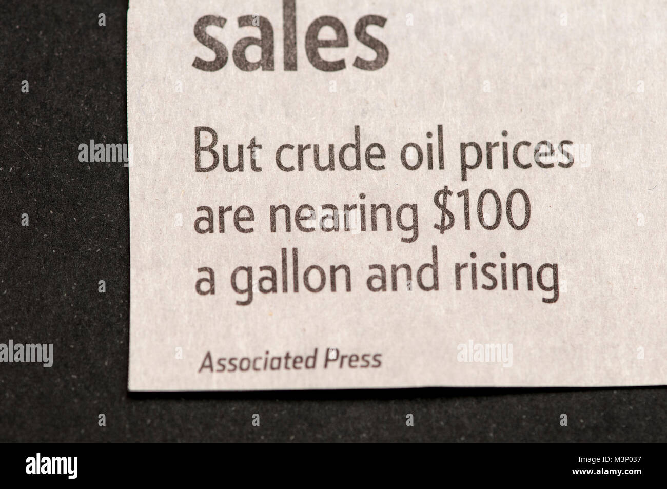St. Paul, Minnesota. Pioneer Press newspaper. Newspaper mistake by the Associated Press.  $100 a gallon crude oil - Stock Image