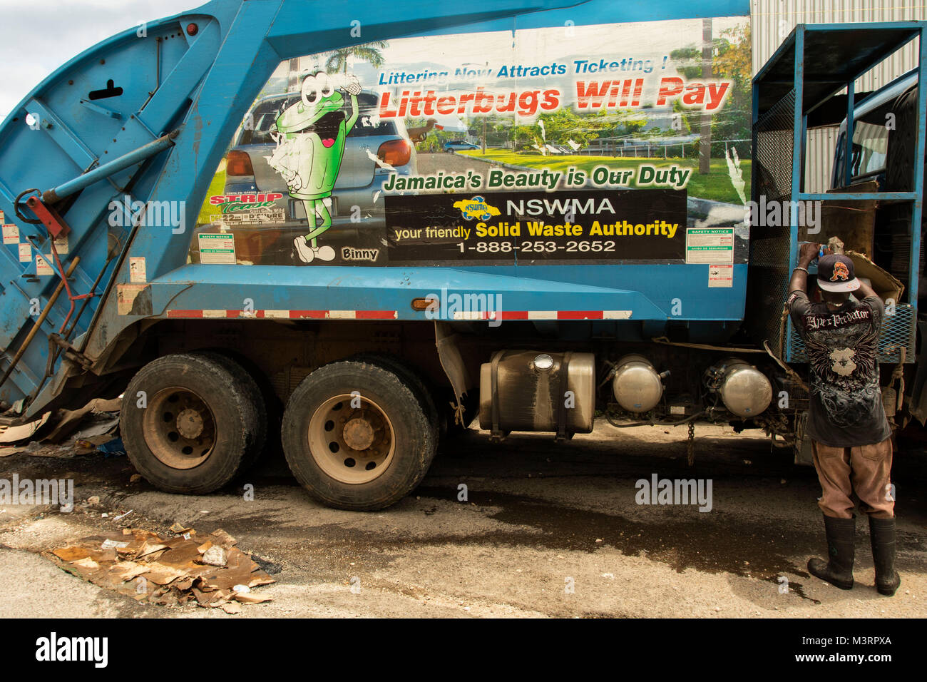 garbage truck driver salary ontario