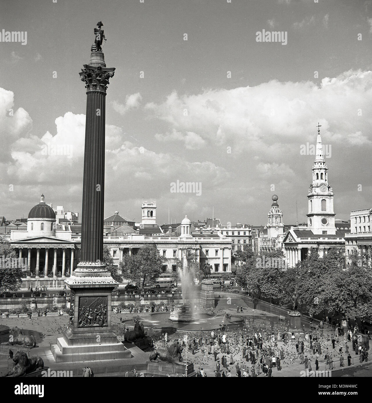 1950s, historical, in this picture from the early 1950s by J Allan Cash we see a view of the Central London public Stock Photo