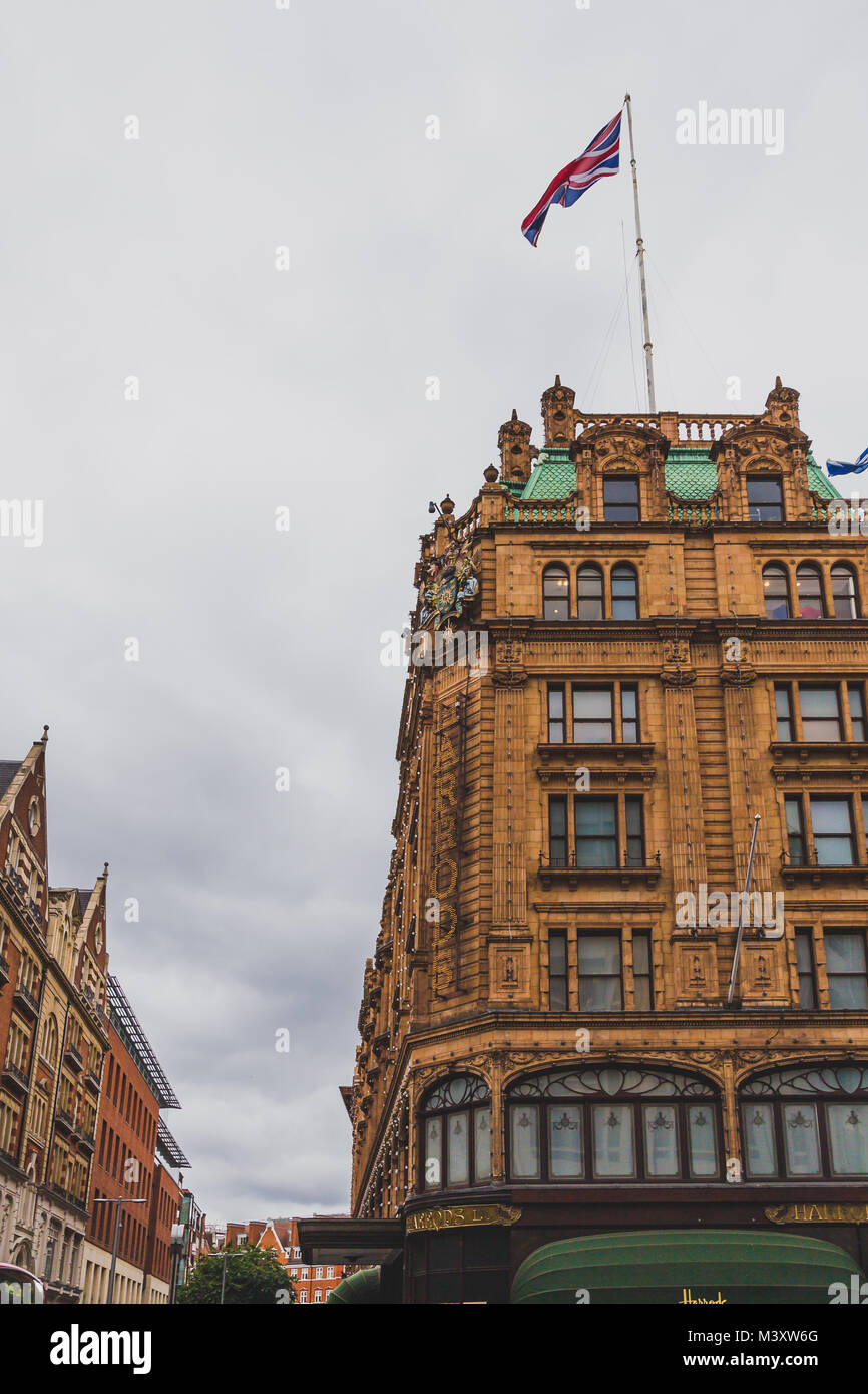 LONDON, UNITED KINGDOM - August, 10th, 2015: exterior of Harrods luxury department store in London city centre - Stock Image