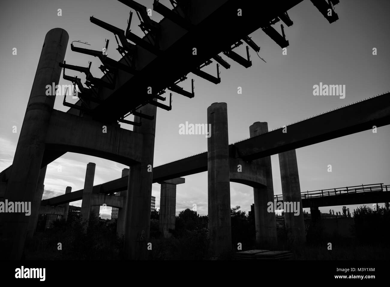 Unfinished bridge, building, clear sky architecture silhoette - Stock Image
