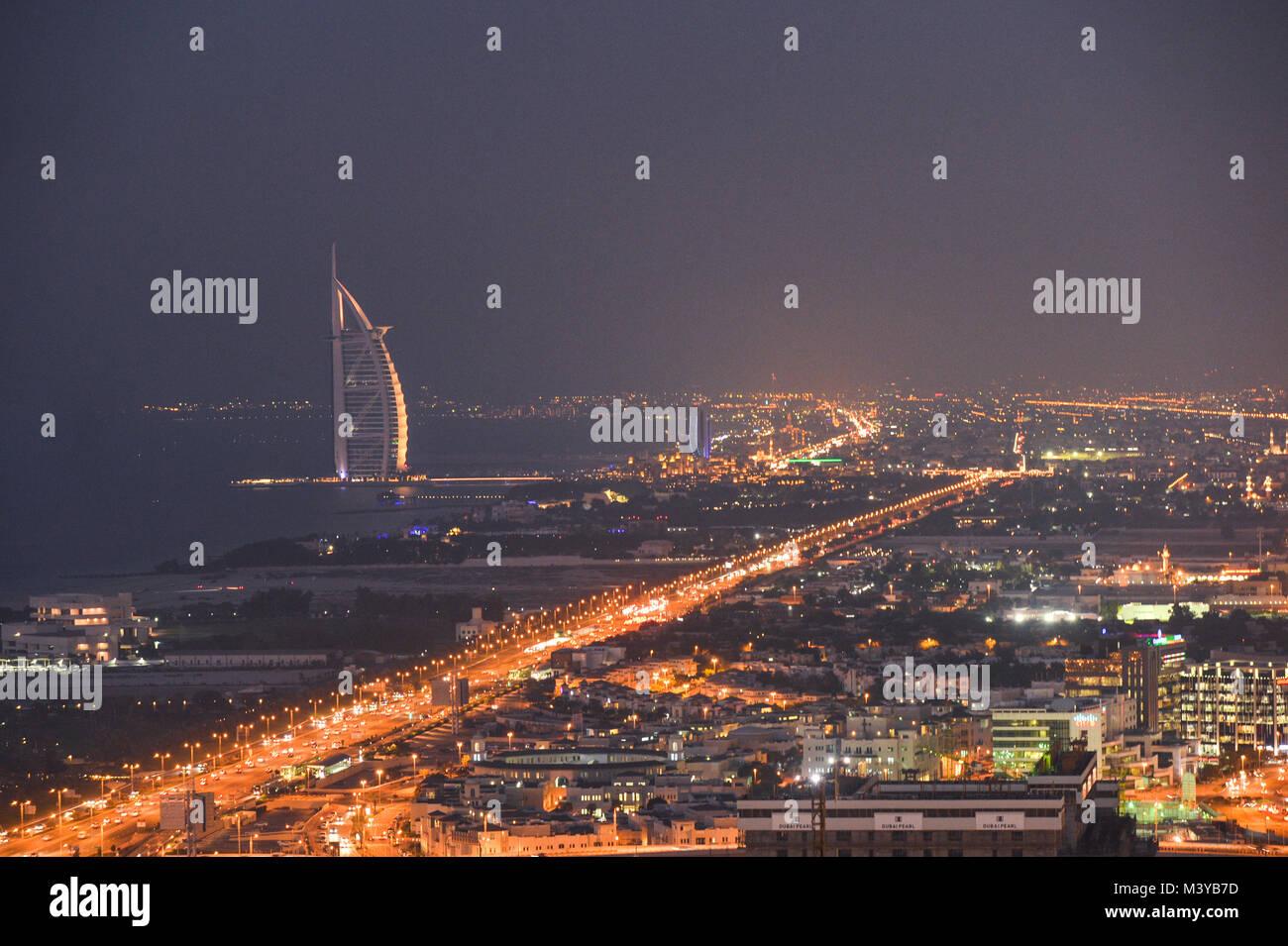 Dubai, UAE. 11th Feb, 2018. DUBAI, UAE - FEBRUARY 11, 2018. A panoramic view of Dubai at night.  Credit: ASWphoto/Alamy - Stock Image