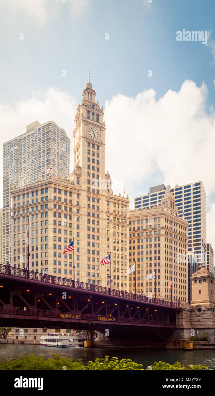 A view of the Wrigley Building and the DuSable Bridge in Chicago, Illinois. - Stock Image