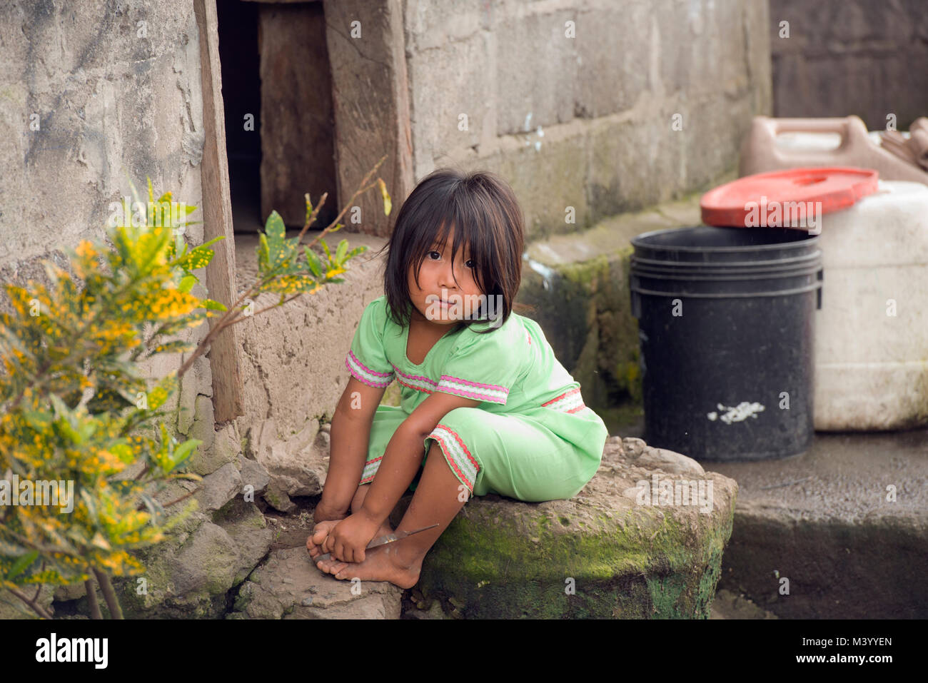 A young Ngäbe-Bugle girl in traditional dress, Boquete, Panama. - Stock Image