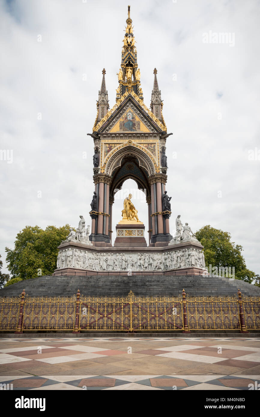 The Royal Albert Memorial, Hyde Park, London, UK - Stock Image