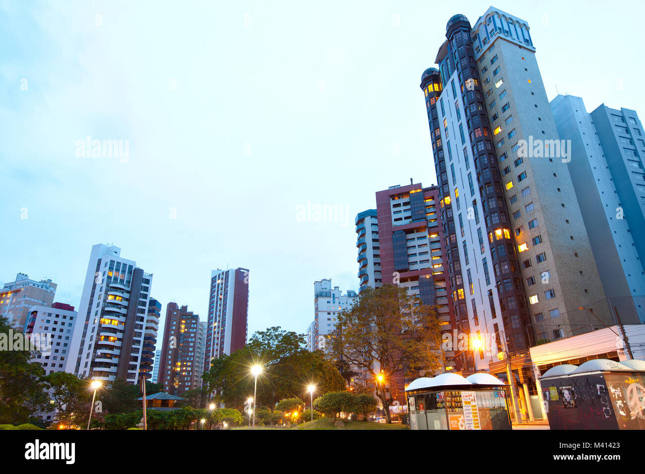 Curitiba, Parana State, Brazil - Apartment buildings around Praca do Japao (Japan Square), in the wealthy neighborhood - Stock Image