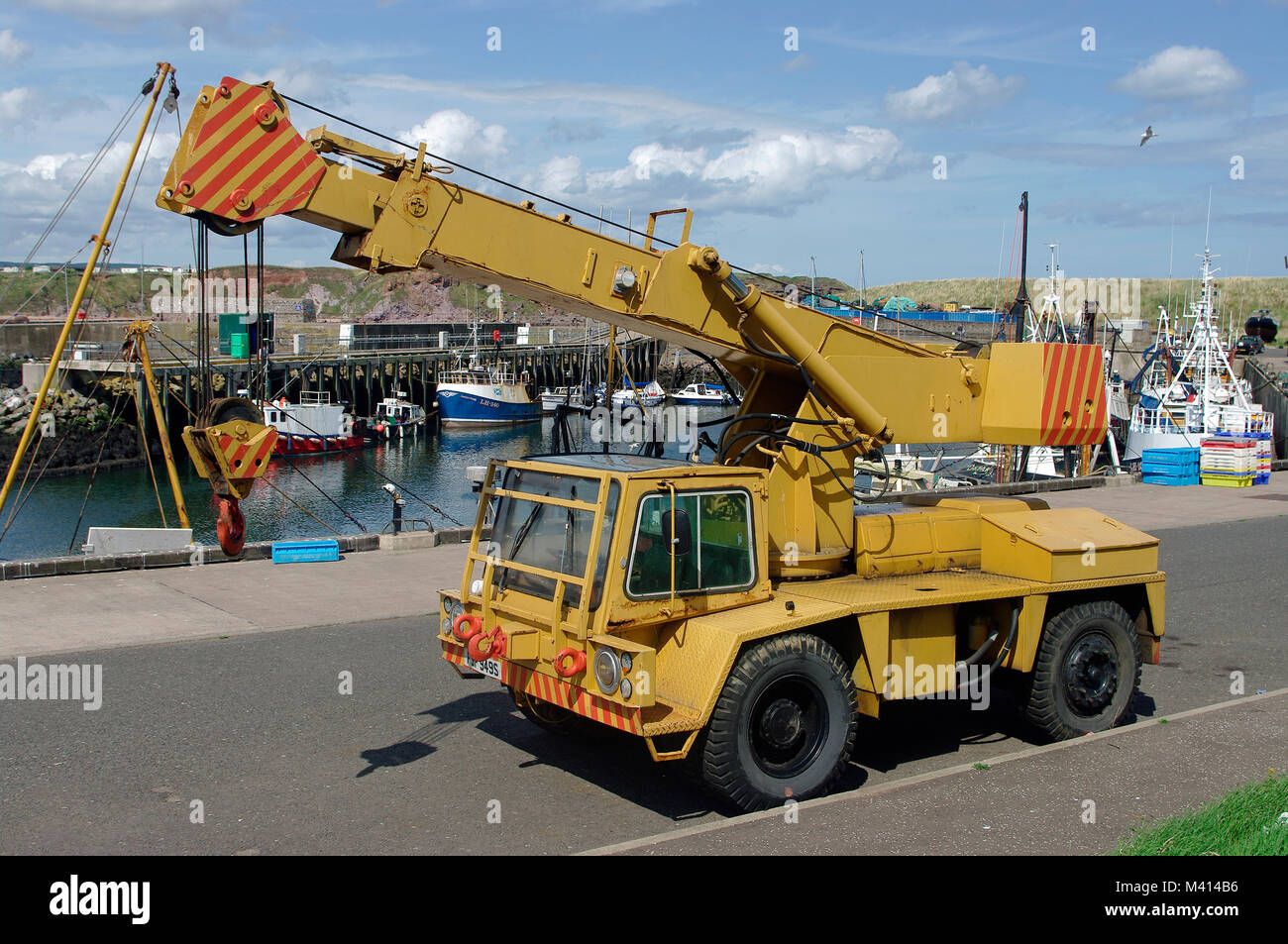Coles Hydra Speedcrane, Eyemouth Harbour - Stock Image