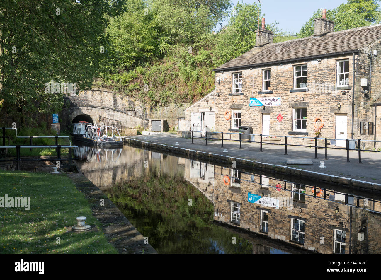 Huddersfield Narrow canal, Tunnel end at Marsden, entrance to the Standedge tunnel. - Stock Image