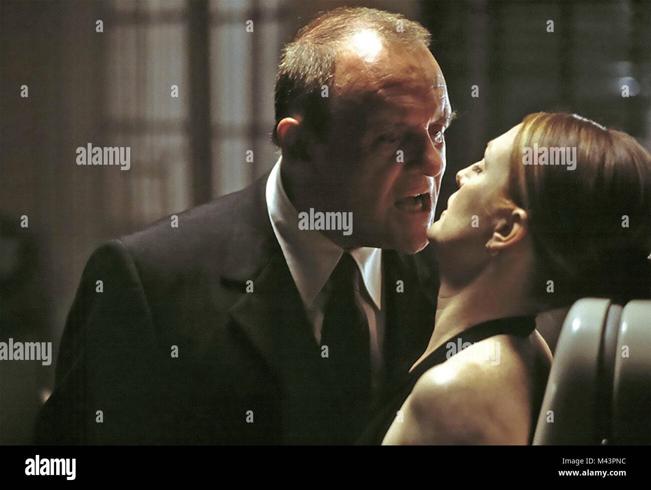 Hannibal 2001 Mgm Film With Julianne Moore And Anthony Hopkins Stock Photo Alamy