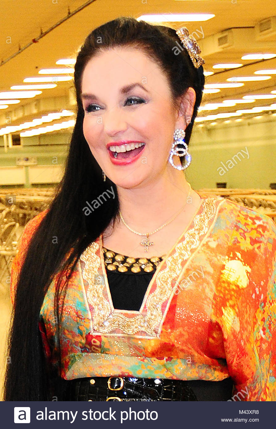 Crystal Gayle performs at the Living Well Expo in Nashville, TN on October 8, 2008.  ©RTCrisler / MediaPunch - Stock Image