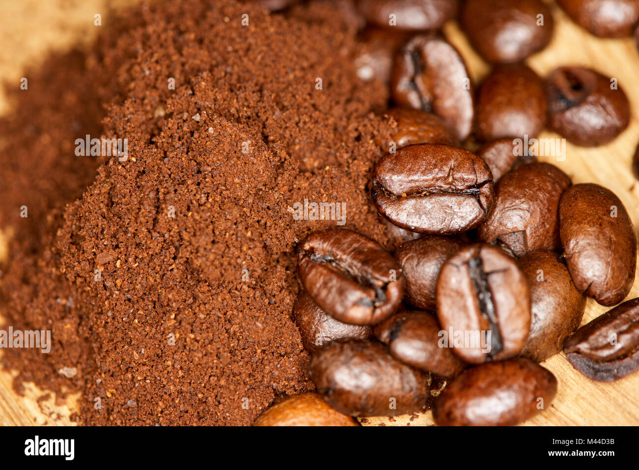 coarse grind freshly ground coffee with mix of arabica and robusta coffee beans - Stock Image