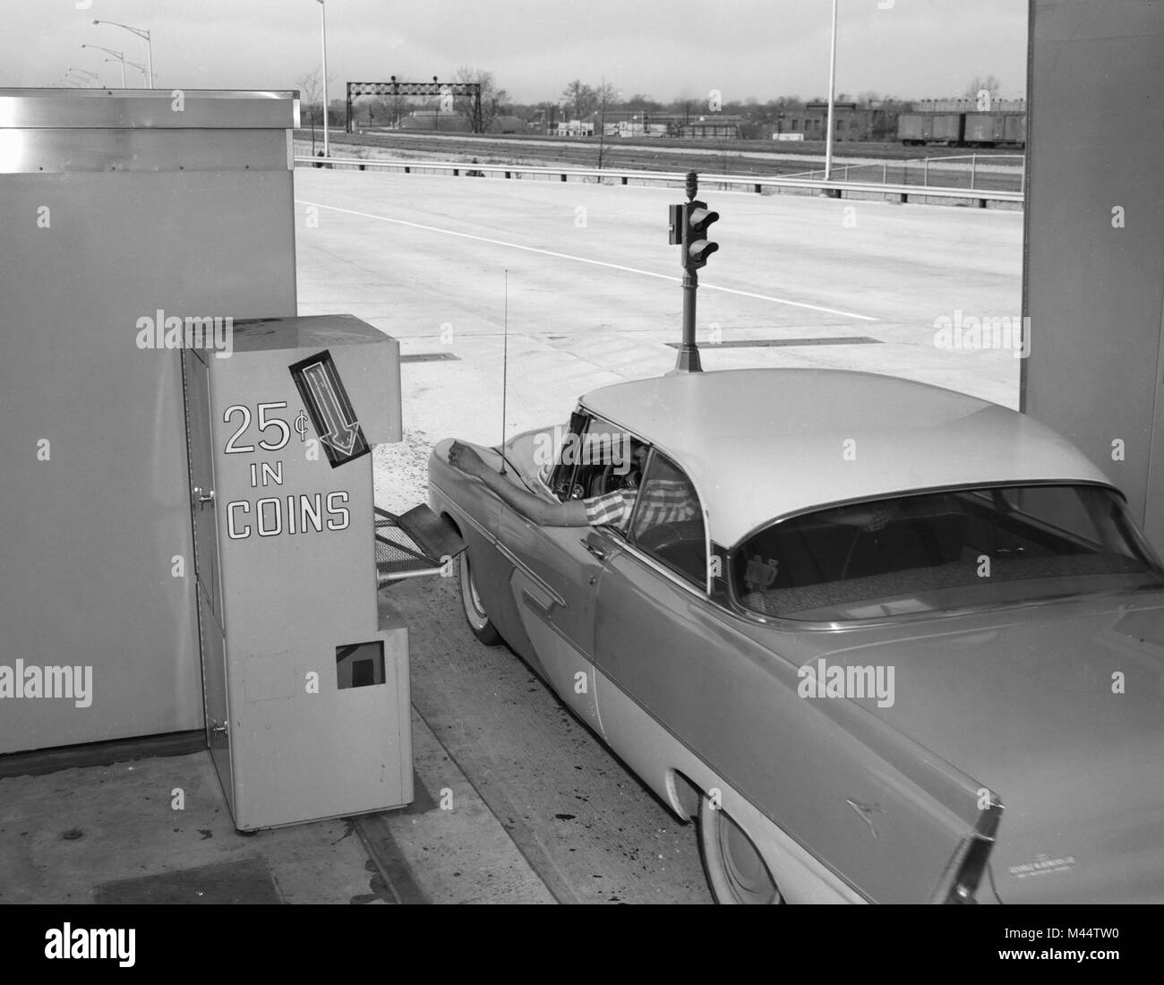 Early tollbooths on the Chicago Skyway, ca. 1960. - Stock Image