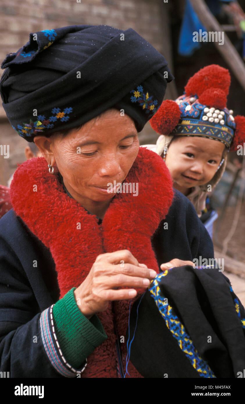 Laos Luang Namtha Near Muang Sing Yao Hill Tribe Mien Tribe Stock Photo Alamy