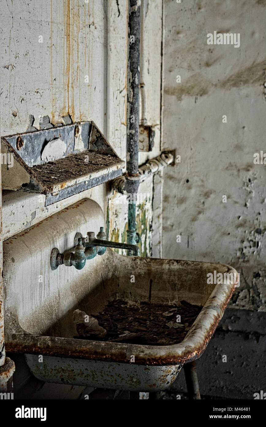 old washbasin - ghost town - Stock Image