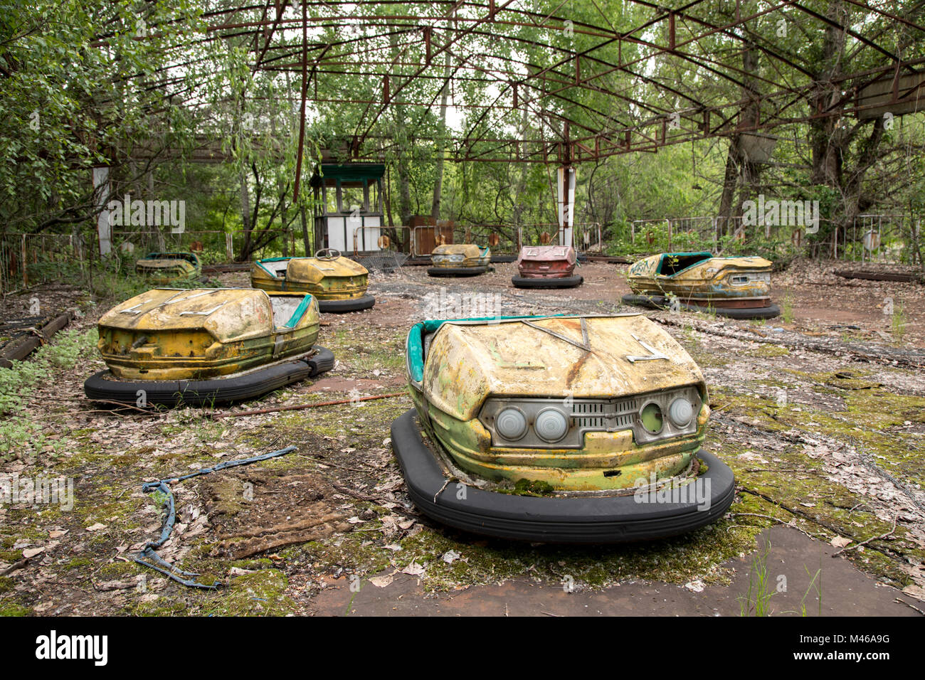 The iconic dodgem cars in the abandoned town of Pripyat, Chernobyl - Stock Image