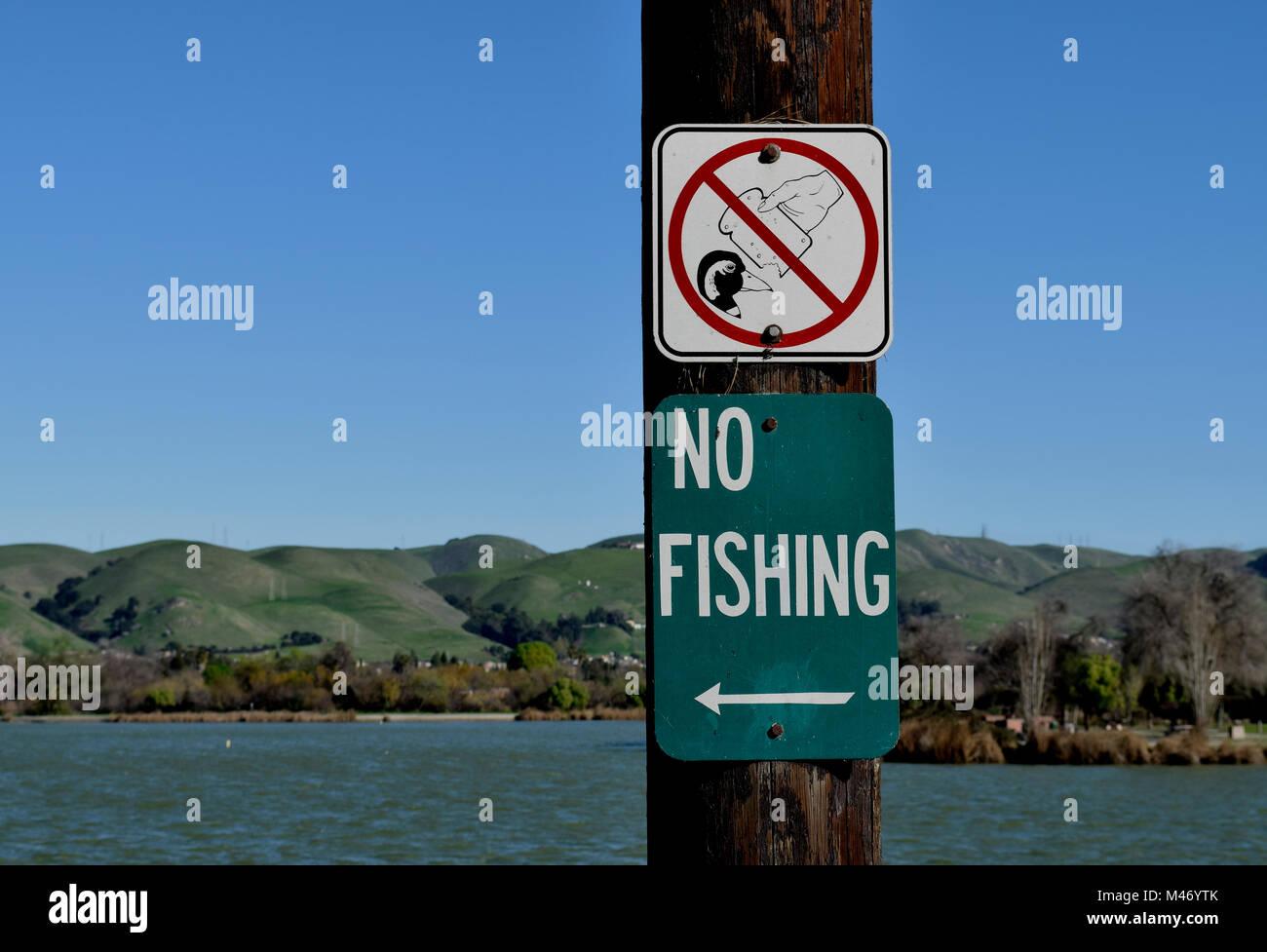 No Fishing Sign Symbol Lake Stock Photos & No Fishing Sign