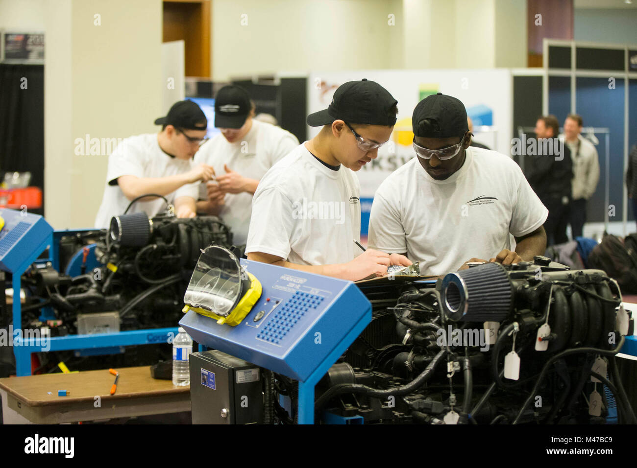Toronto, Canada. 14th Feb, 2018. Competitors take an engine mechanical analysis during the 19th Toronto Automotive - Stock Image