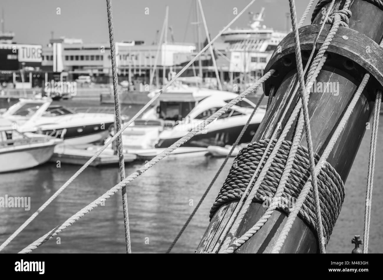 Blocks and rigging at the old sailboat, close-up - Stock Image