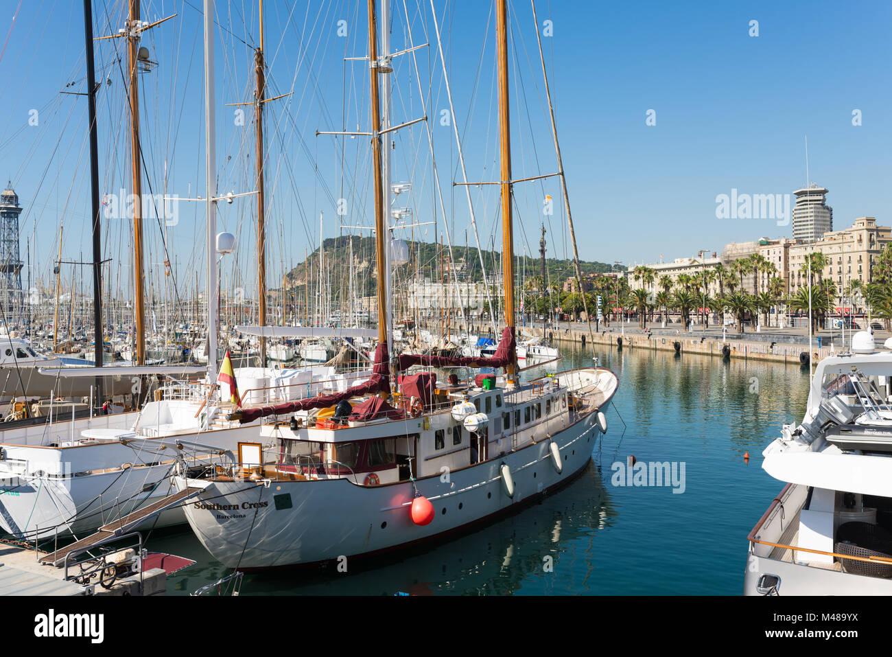 The marina Port Vell in the Barcelona district Ciutat Vella - Stock Image