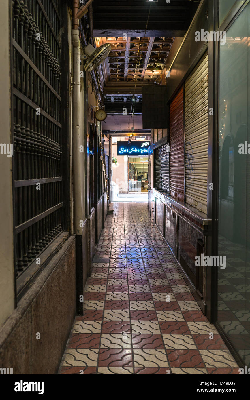 Bodega and Beer bars in the Bar Pasajes in Barcelona - Stock Image