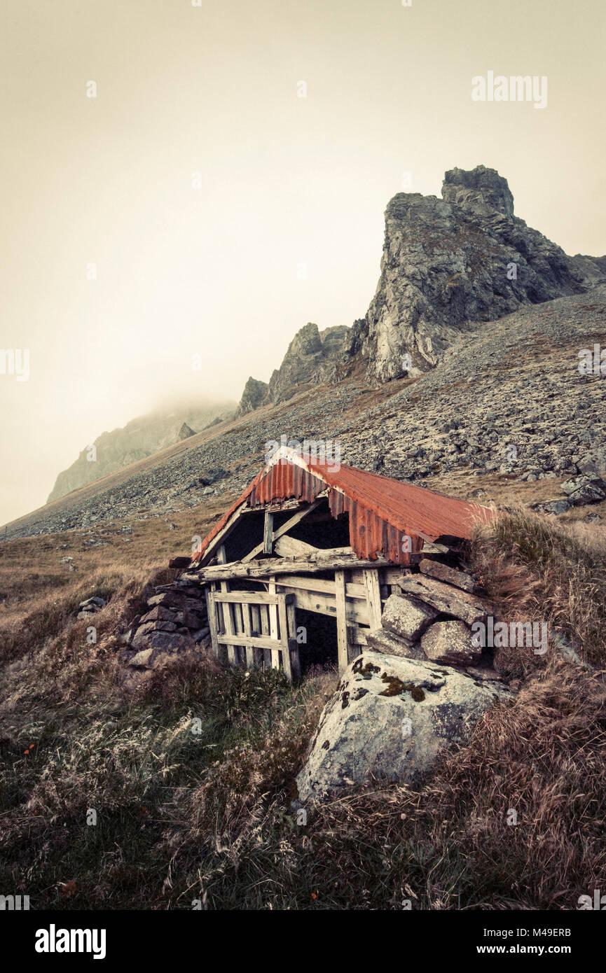 Abandoned shelter near Stokkness, Iceland, September 2015. - Stock Image