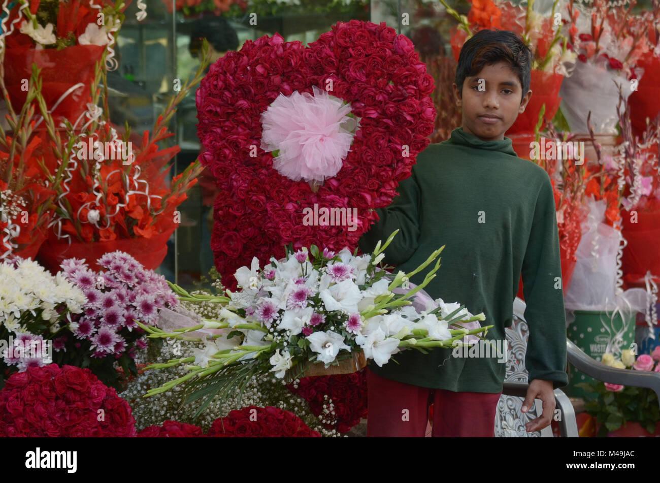 Pakistani people purchasing fresh roses flowers bouquets and pakistani people purchasing fresh roses flowers bouquets and garlands m49jacg izmirmasajfo Images