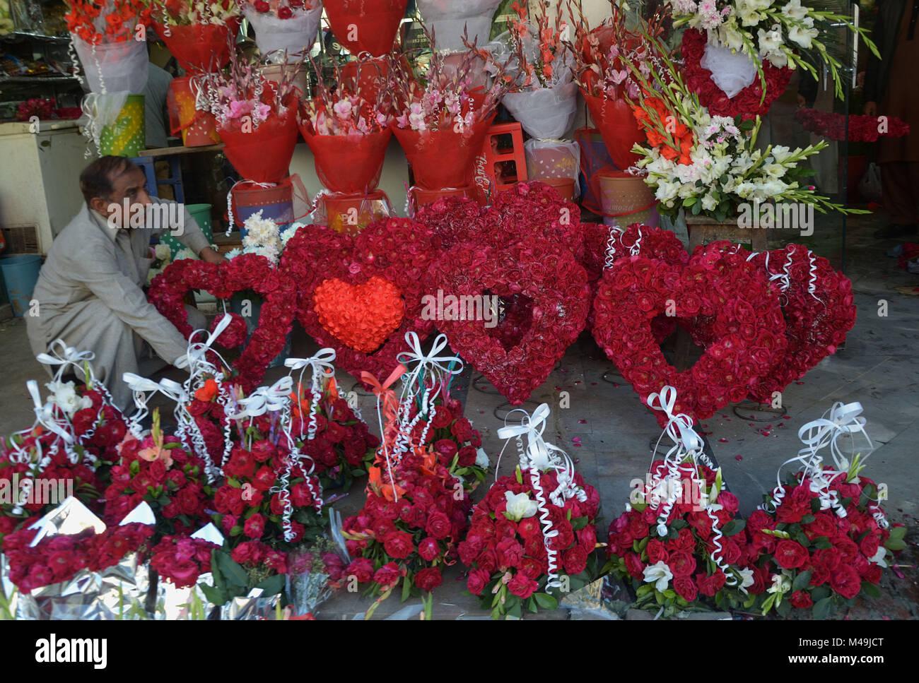 Pakistani people purchasing fresh roses flowers bouquets and pakistani people purchasing fresh roses flowers bouquets and garlands m49jctg izmirmasajfo Images