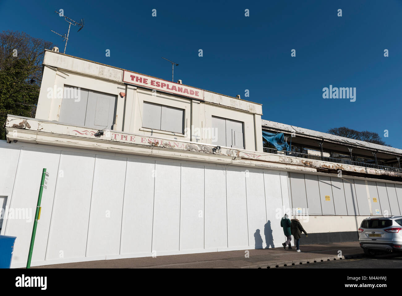 The Esplanade public house, closed wating for redevelopment. - Stock Image
