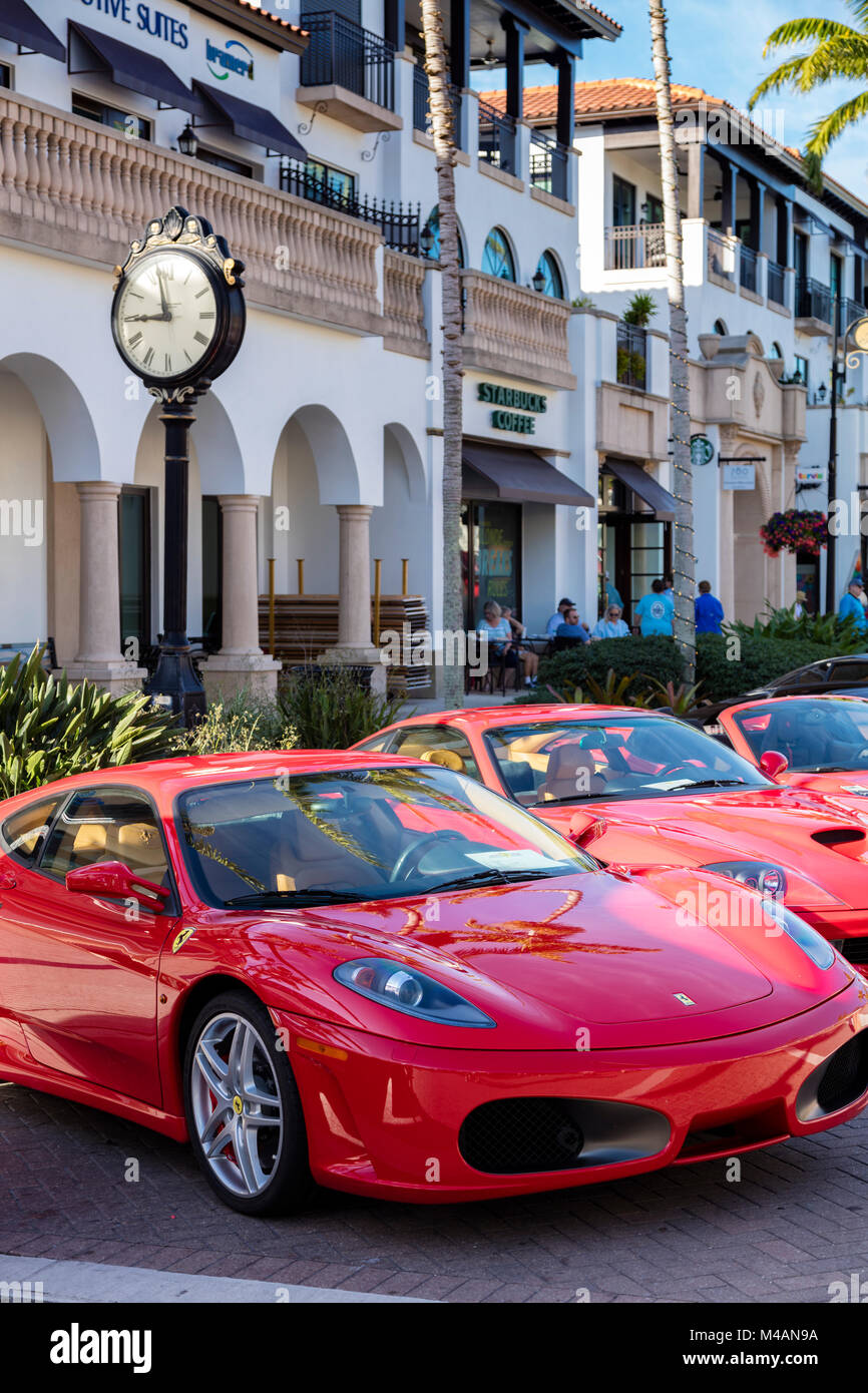 Red Ferraris on display at 'Cars on 5th' autoshow, Naples, Florida, USA - Stock Image