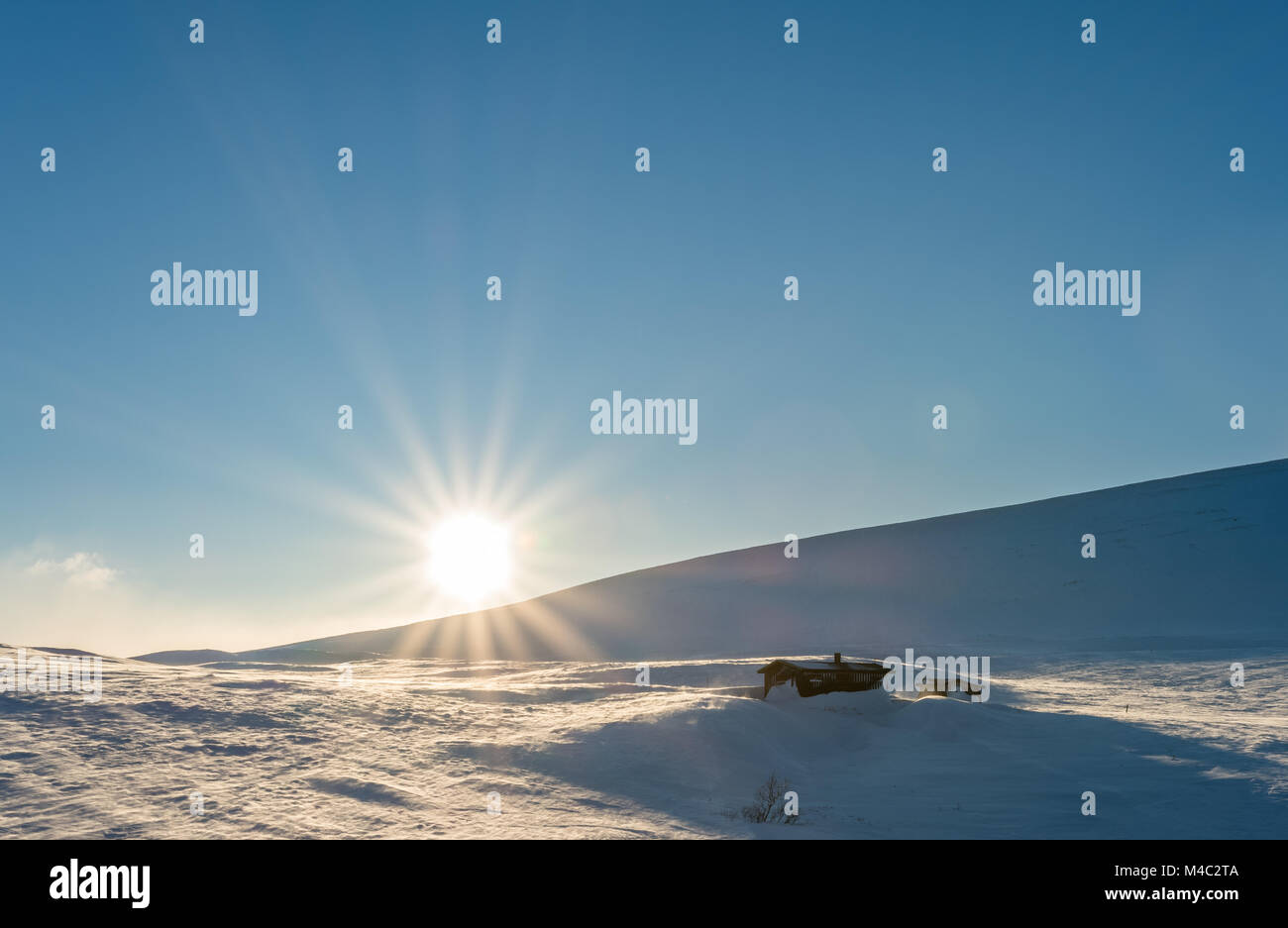 Sunshine at the flat mountain top Finnmarksvidda in Northern Norway Finnmark - Stock Image