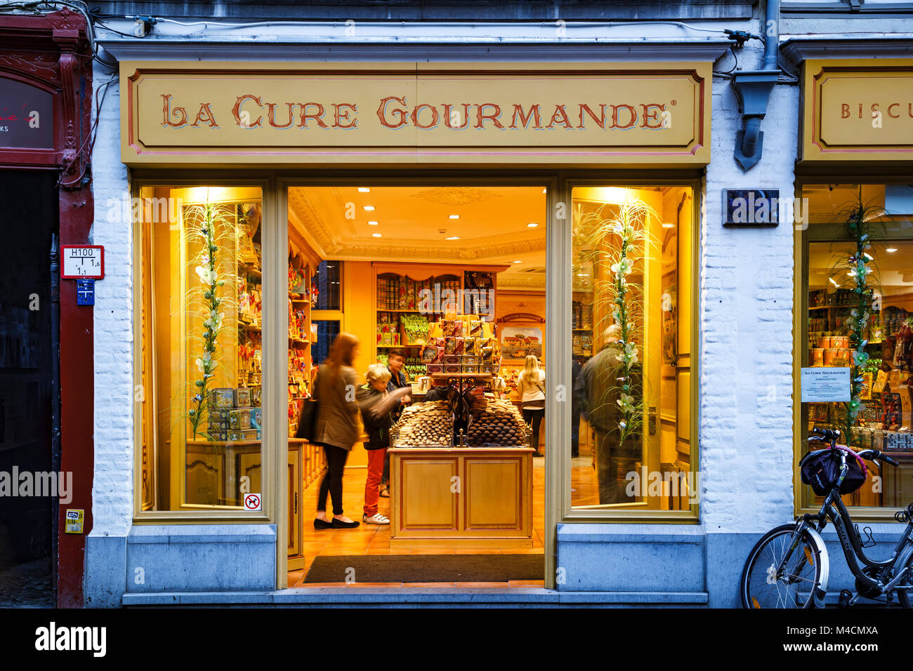 La Cure Gourmande candy store, Bruges, Belgium - Stock Image