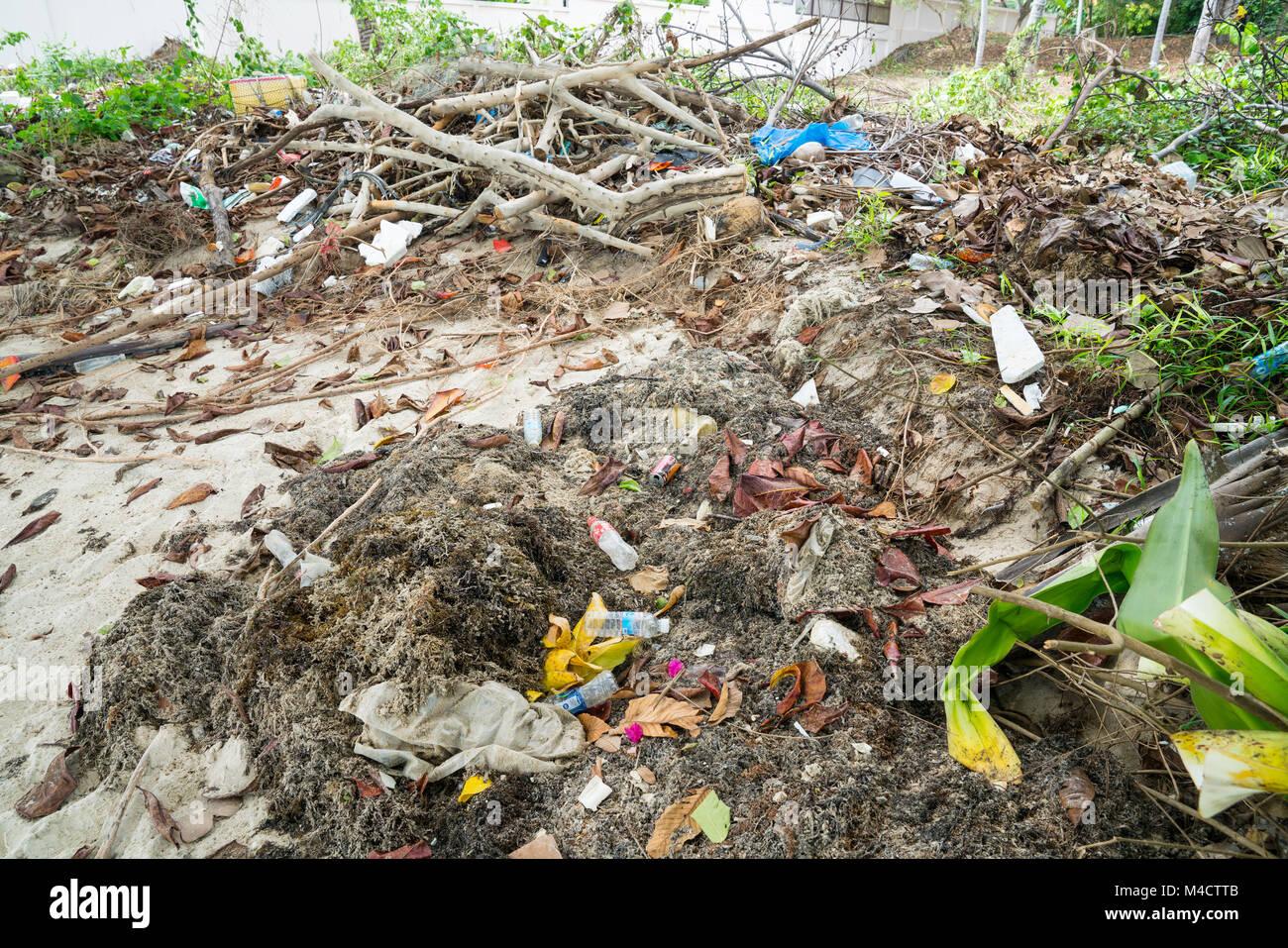 KO SAMUI, THAILAND - JANUARY, 25, 2018; mixture of biodegragable and non biodegradable environmental waste and rubbish - Stock Image