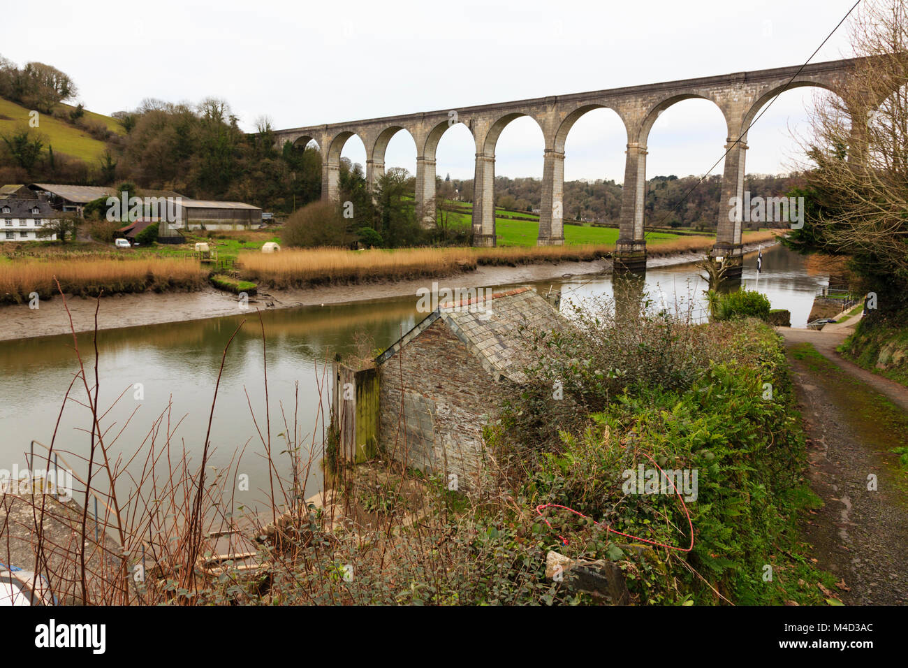 Calstock railway viaduct over the River Tamar, Cornwall, England. Used as a location shot in the Sky TV series Delicious. - Stock Image