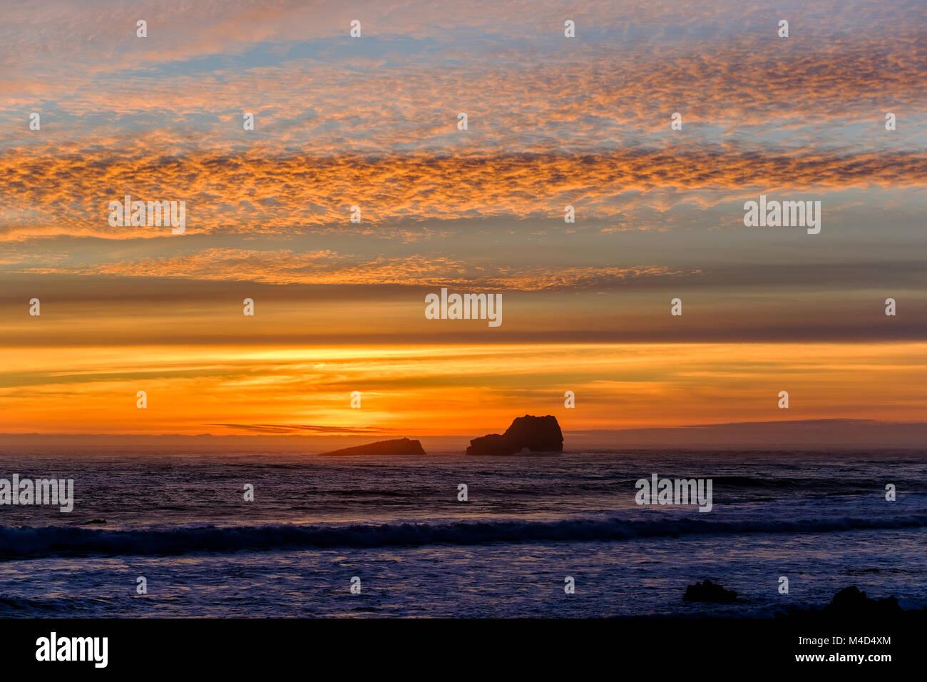 Pacific coast sunset, Big Sur, California, USA. - Stock Image