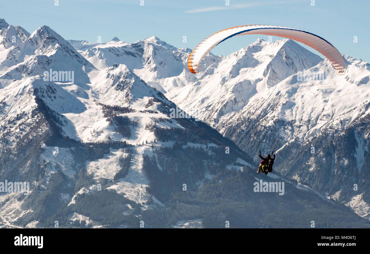 Paragliding flights - Stock Image