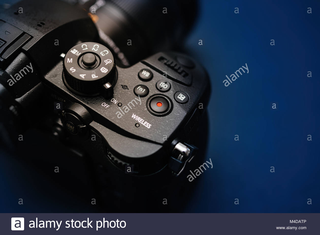 New Panasonic Lumix GH5 and Leica 12-60 camera lens - Stock Image