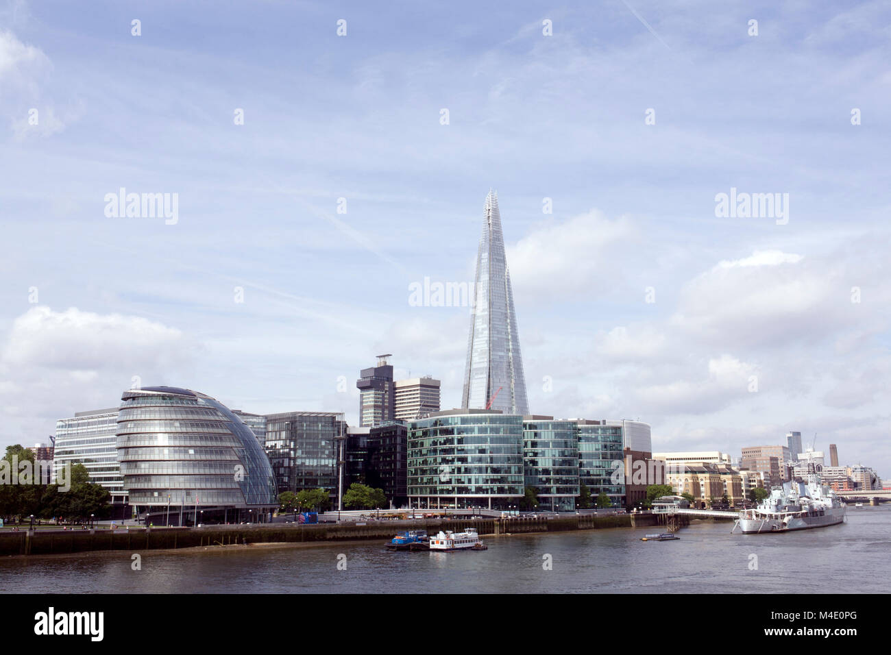 Colour Photograph of City Hall and The Shard with HMS Belfast, London, England, UK. Credit: London Snapper - Stock Image