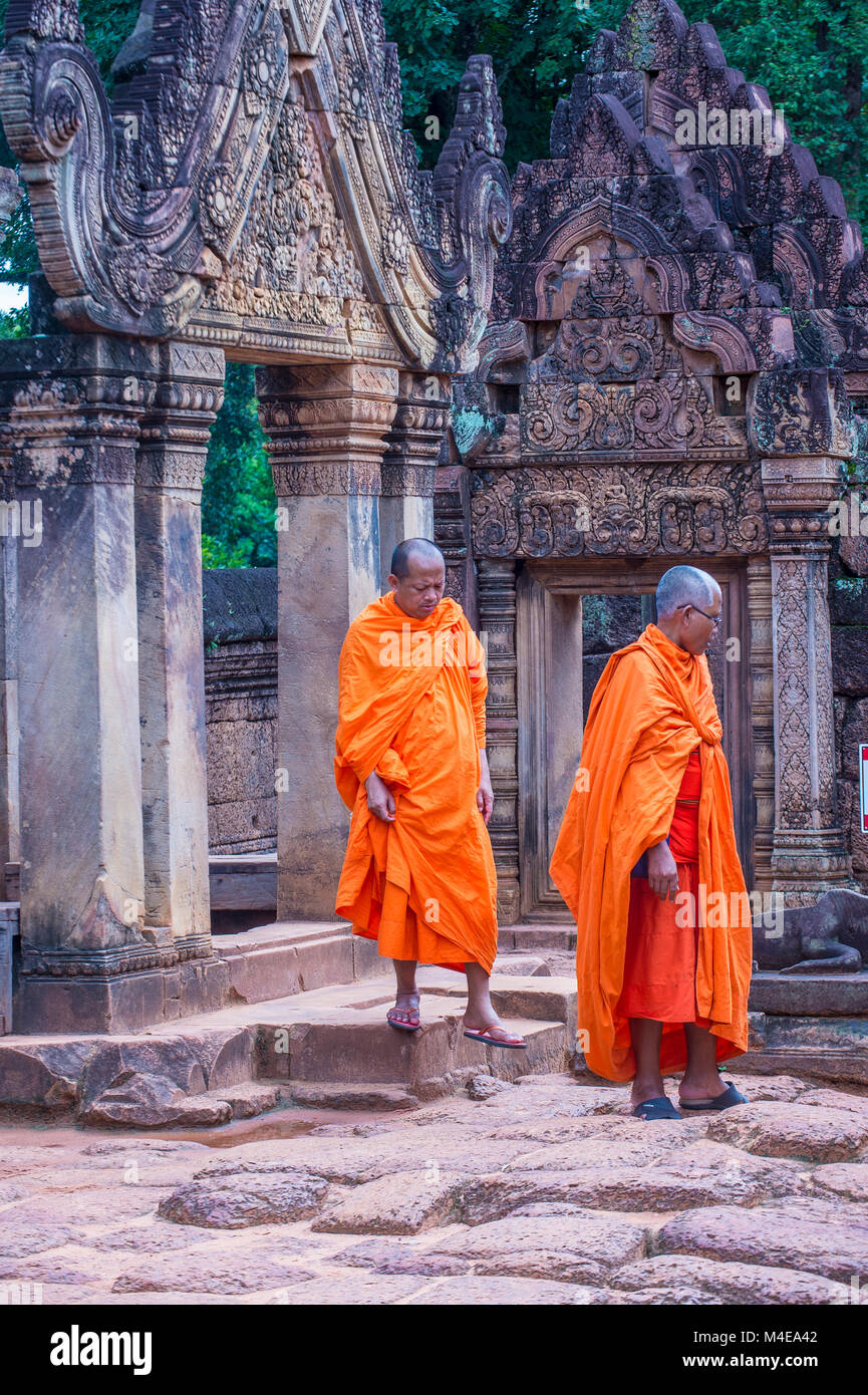 SIEM REAP , CAMBODIA - OCT 17 : Monks at the Banteay Srei Temple near Siem Reap Cambodia on October 17 2017 , Banteay - Stock Image