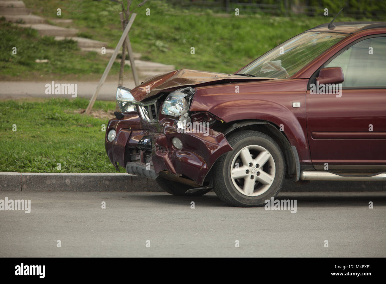 Car crash after a head-on collision - Stock Image