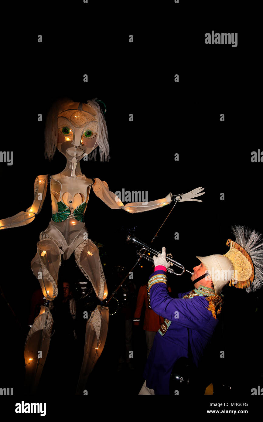 Oldham, UK. 16th Feb, 2018. A trumpet player and giant sized puppet at illuminate Oldham, 16th February, 2018 (C)Barbara - Stock Image