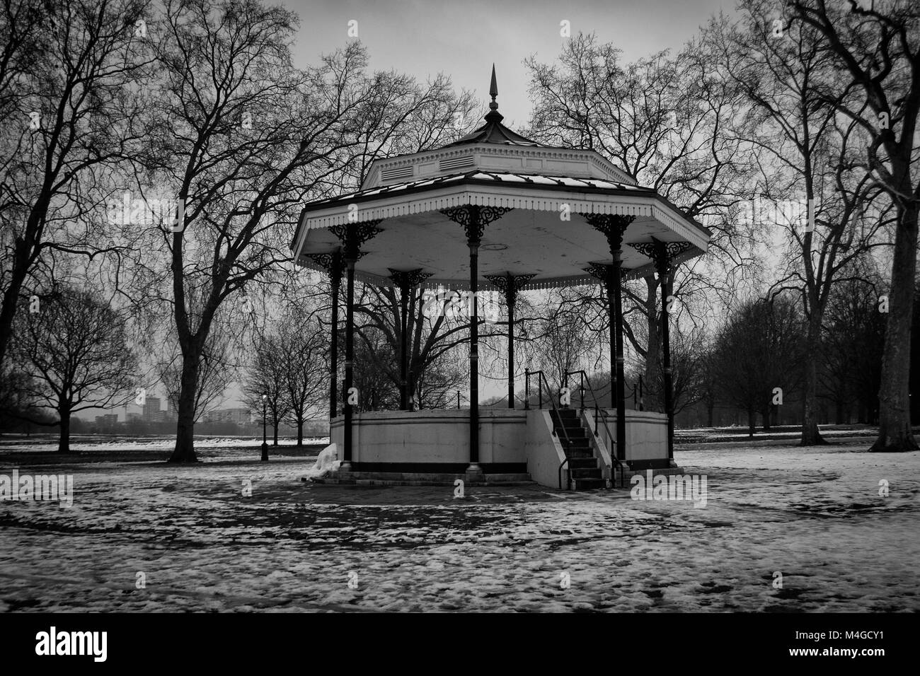 Black & White Photograph of a bandstand in Hyde Park in the winter time, London, England, UK. Credit: London - Stock Image
