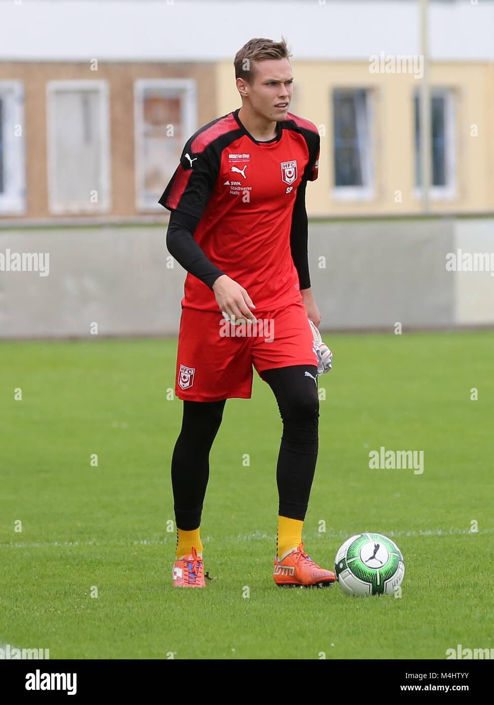 Goalkeeper Tom Müller (Hallescher FC) - Stock Image