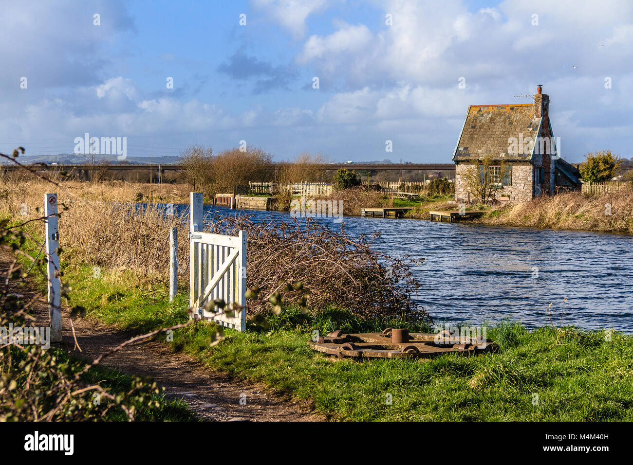 Holiday home in former lock keeper's cottage, Topsham Lock Cottage, Topsham, Devon, UK. Located between the - Stock Image